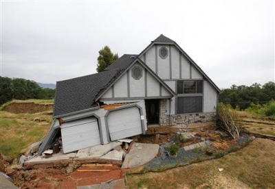 Volcano? California homes sinking one by one in now abandon subdivision near volcanic field