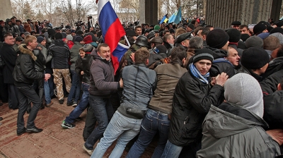 Armed men storm government buildings in Crimea; two dead, 30 injured during confrontations
